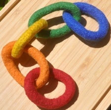 wool chain toy
