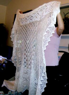 Christening Shawl Knitting Pattern Free : KNITTING PATTERNS CHRISTENING GOWNS 1000 Free Patterns