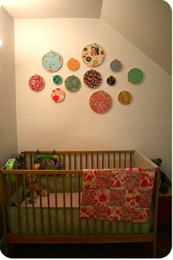 Nursery wall decor do it yourself decorating ideas for Baby wall decoration ideas