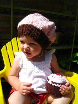 A felt cupcake to go with the hat!